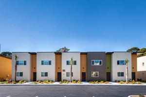 Whispering Palms Apartments in Largo