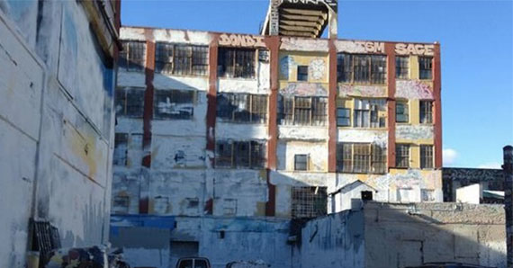 The owners of 5Pointz whitewashed the building at 22-44 Jackson Avenue in Long Island City last night (Credit: Queens Courier/Twitter)