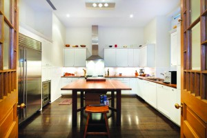 1067608-205West57thSt-8C-Kitchen_ch.jpg