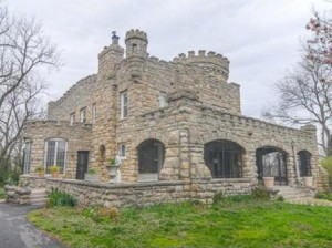 live-in-a-solid-stone-castle-overlooking-the-missouri-river-in-missouri