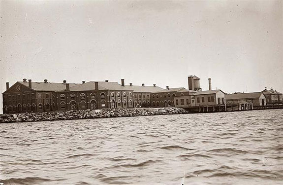 Hoffman Island when the buildings were still standing