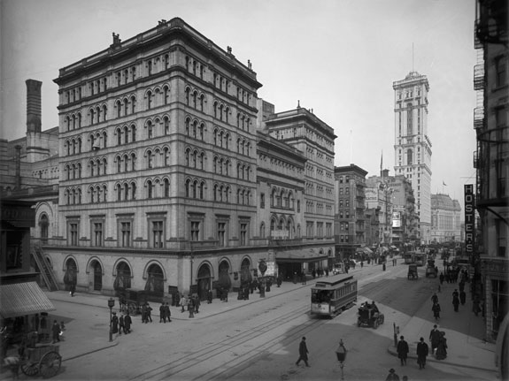the-old-metropolitan-opera-house-was-built-in-1883-in-new-york-city-first-home-of-the-metropolitan-opera-company-it-was-demolished-in-1967-and-performances-were-moved-to-lincoln-center