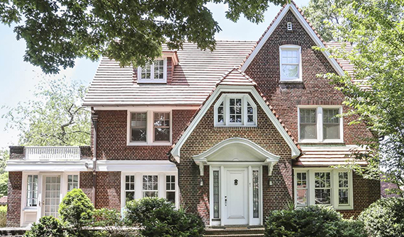 61 Greenway South in