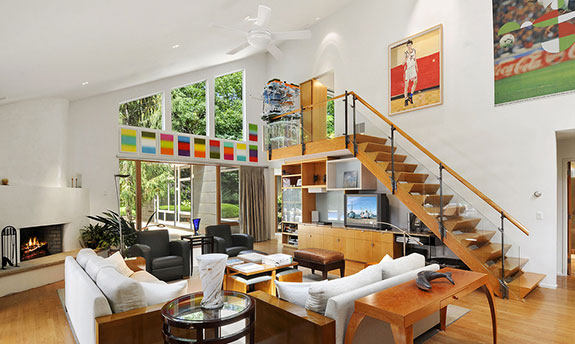 Home for the arts hits the market in East Hampton