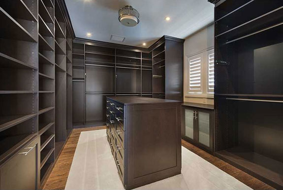the-walk-in-closet-is-enormous
