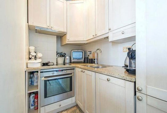 or-theres-this-one-bedroom-flat-near-piccadilly-circus-which-will-also-set-you-back-850000-1345-million