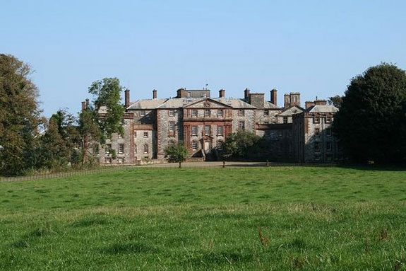 theres-this-georgian-23-bed-mansion-in-south-west-scotland-which-belonged-to-the-earls-of-galloway-its-being-sold-for-upwards-of-595000-941000