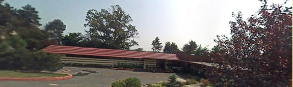 crimson-beech-the-only-house-in-new-york-city-designed-by-famous-architect-frank-lloyd-wright-wasnt-fully-completed-before-he-died