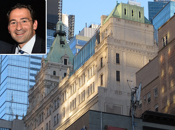 229 West 43rd Street near Times Square (inset: Blackstone Group global head of real estate Jonathan Gray)