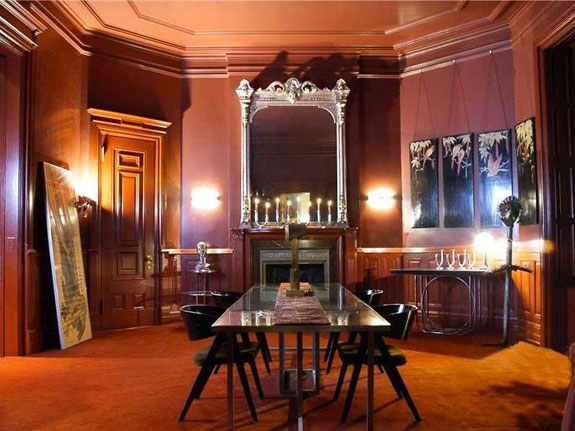 it-appears-the-addams-family-helped-with-the-dining-room-dcor