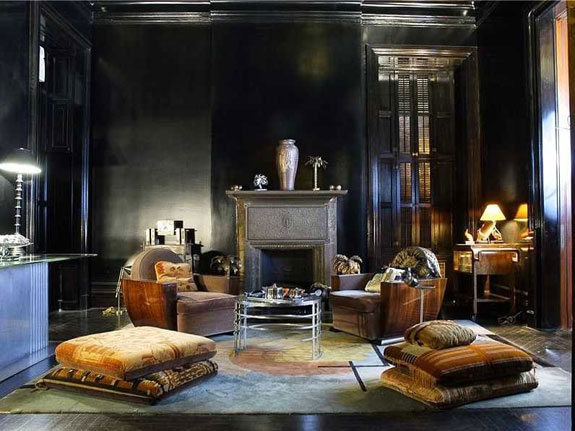 this-painted-black-room-looks-like-the-perfect-spot-to-host-a-seance-on-a-stormy-night