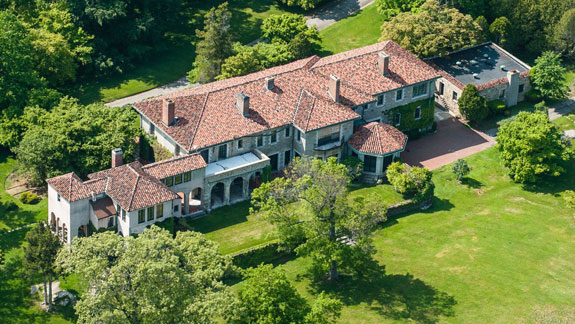 the-original-home-the-villa-juliette-has-stone-walls-and-a-tile-roof-the-family-of-william-ziegler-acquired-it-in-1902-according-to-the-listing